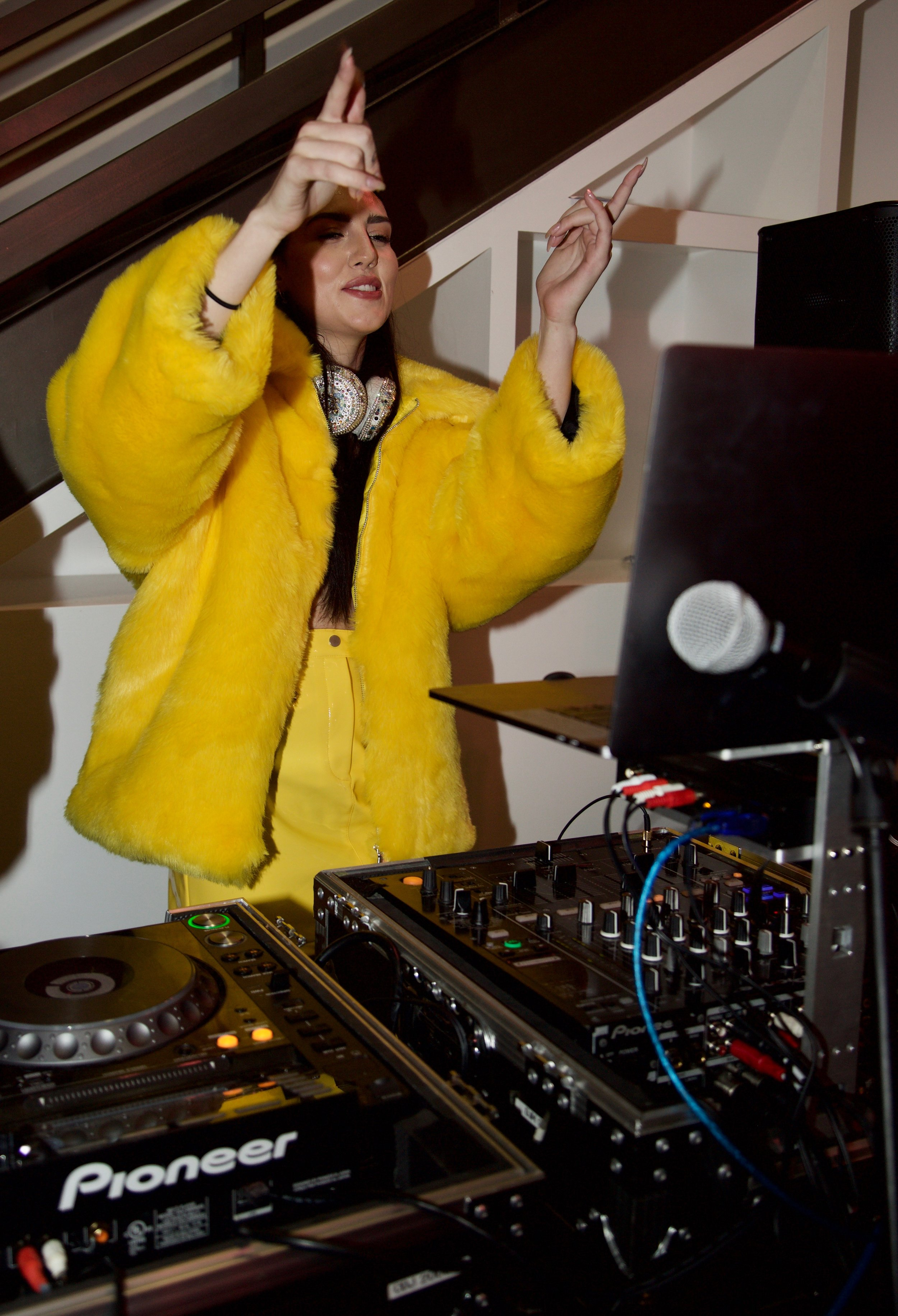 DJ Sydney Carlson.jpg
