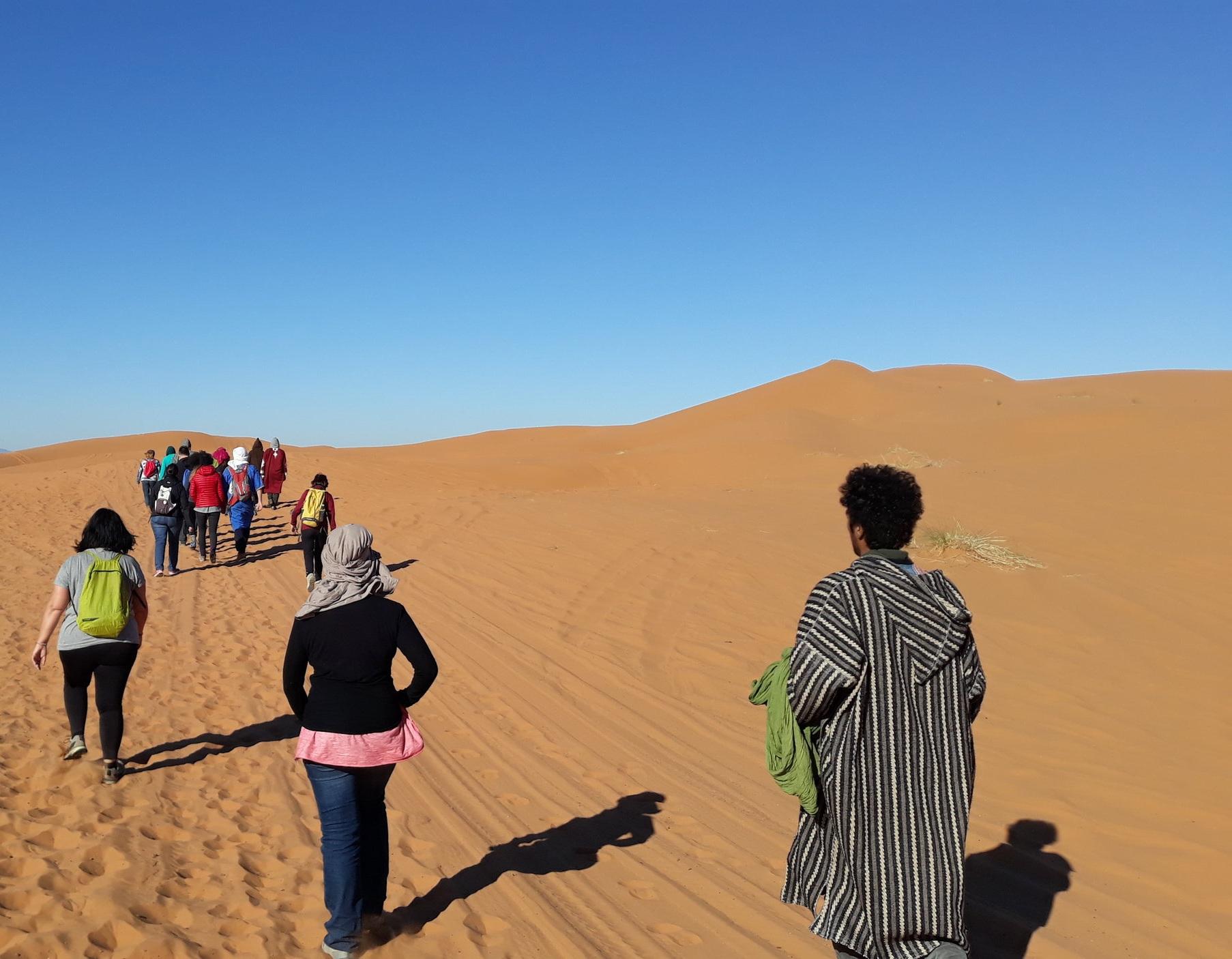 caminata dunas.jpg