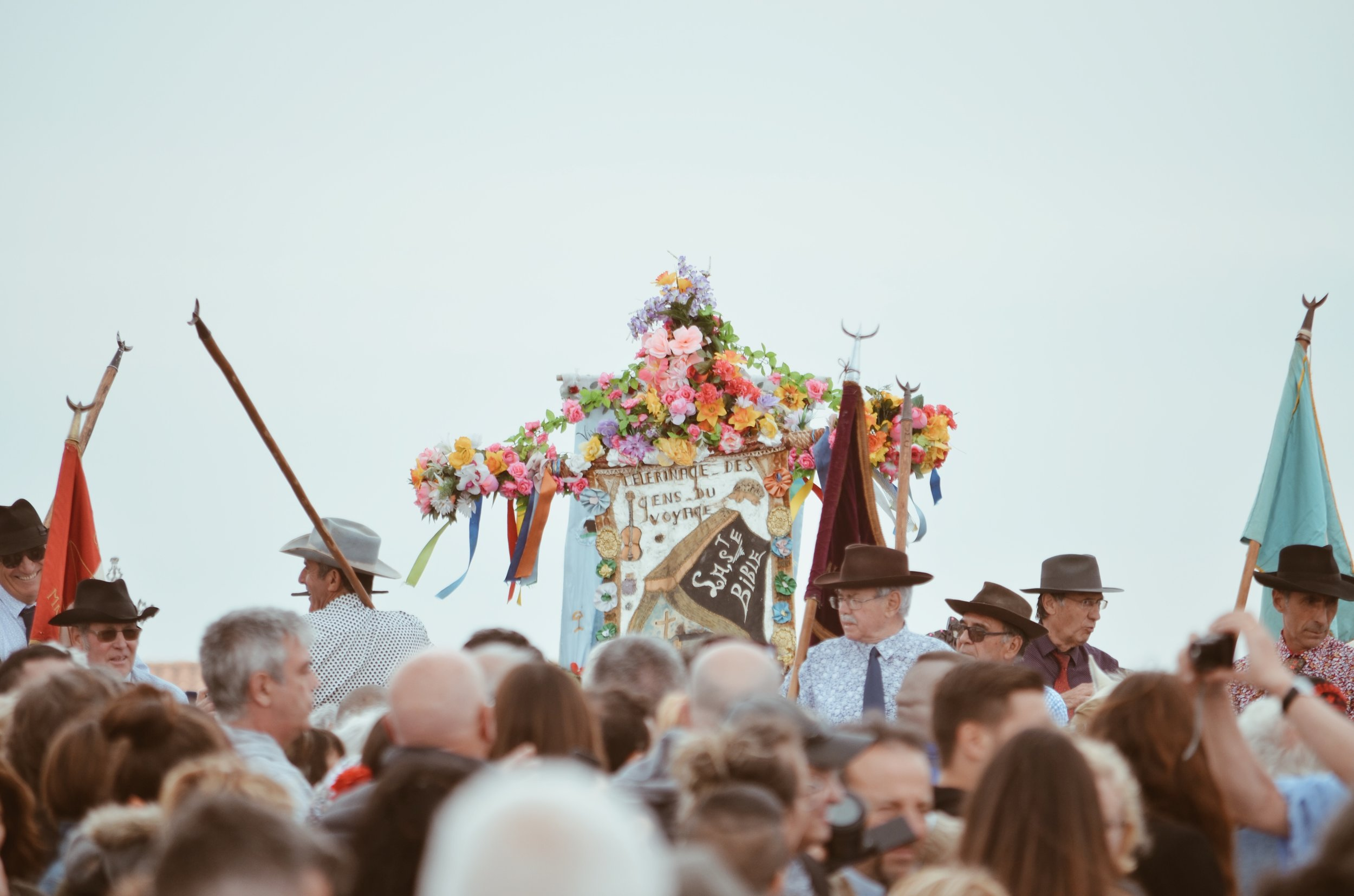 procession_pelerinage_gitan_saintes_maries_de_la_merJPG