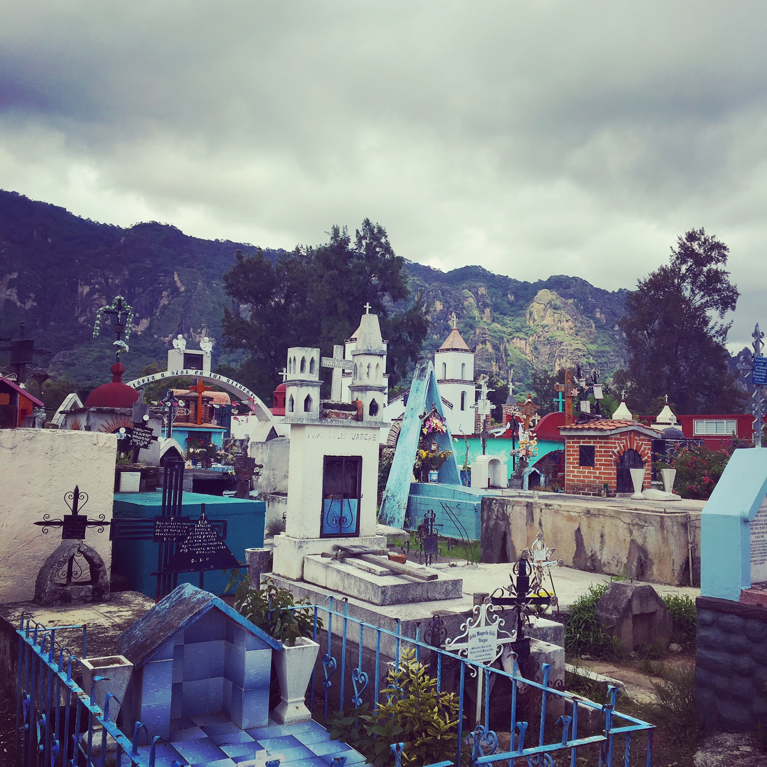 I was having such a good time that I decided I need to take even more of a retreat.  I ventured into the mountains to visit the magical town of Tepotzlan.
