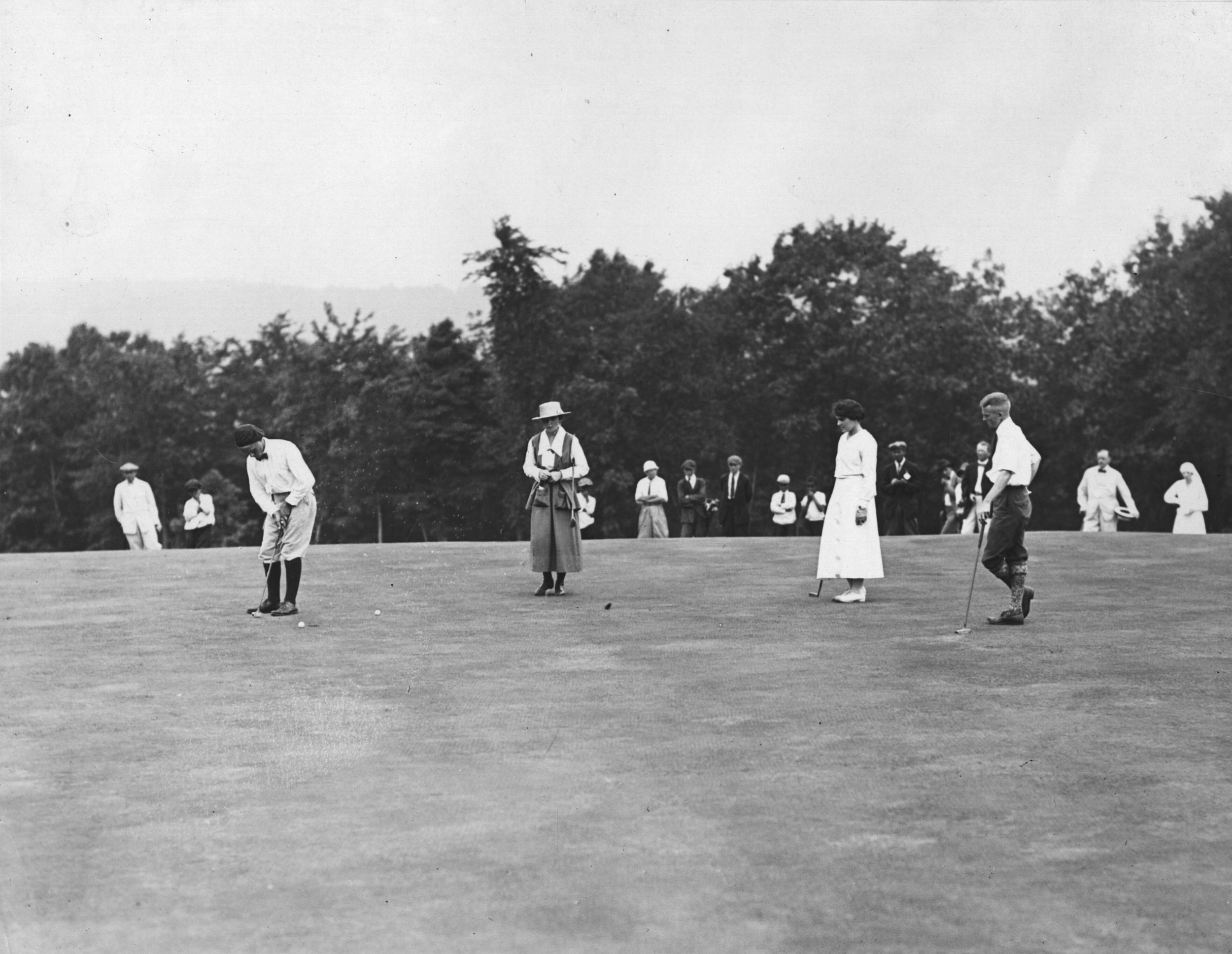 East Lake teenagers Bobby Jones and Alexa Stirling toured the Untied States and Canada raising money for the Red Cross during the Great War. Here they play Montclair Golf club in Montclair, New Jersey.