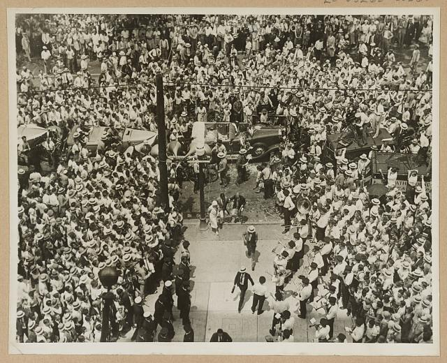 Bobby Jones retired from championship golf after winning the 1930 U.S. Amateur at Merion and was embraced by adoring crowds.