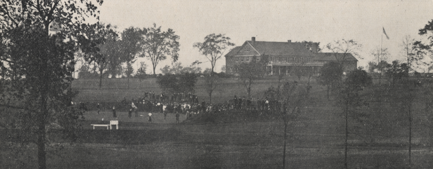 Gathering at a golf tournament in 1918 at Scioto.