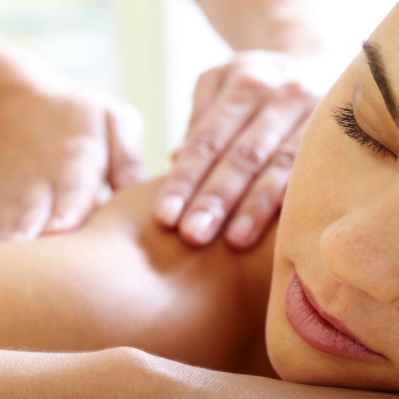 woman+massage.jpg