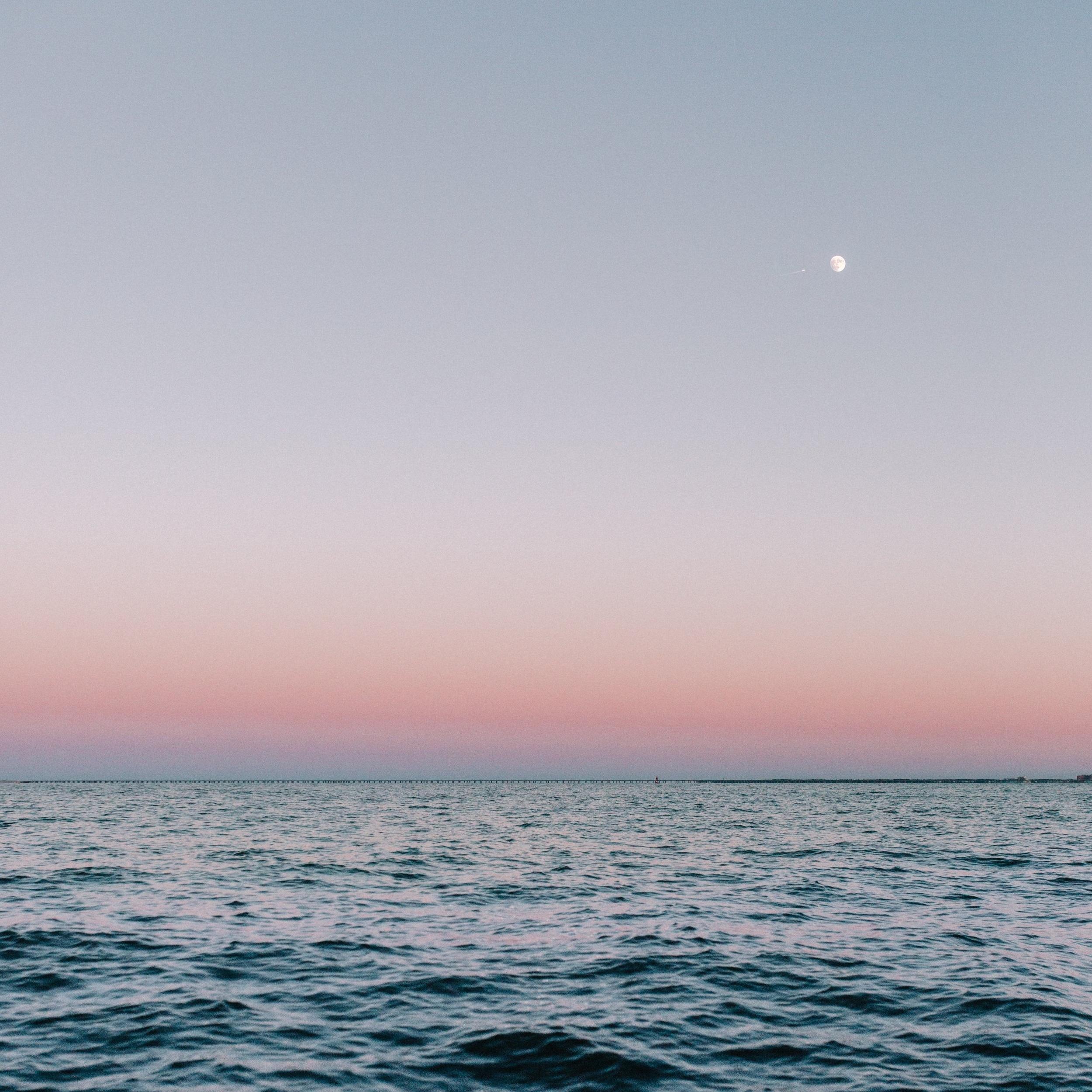 beach-calm-dawn-2248523.jpg