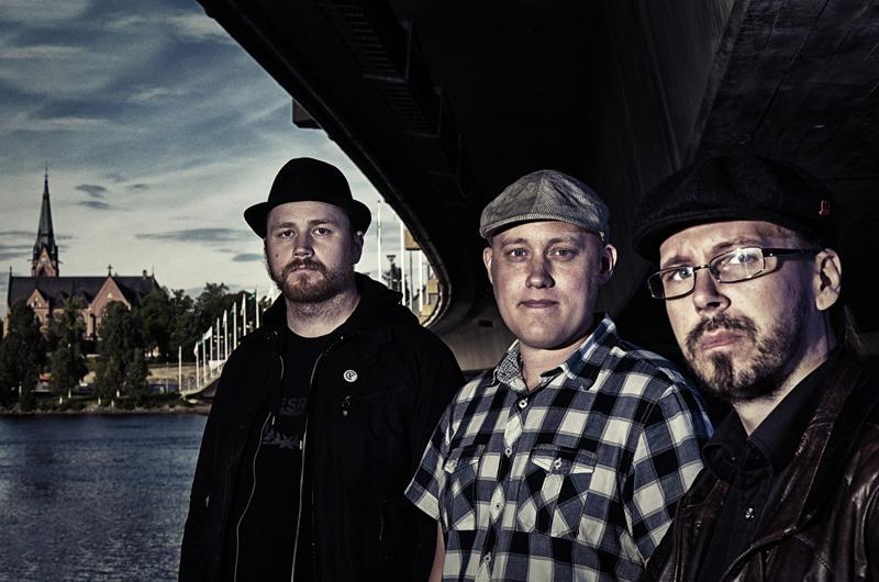 Kardinal Synd. Från vänster: Carl Svedjehed, Love Sundlöf (guliigull) och Martin Runnzell.