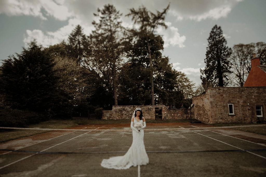 bridal portrait inspiration tennis court