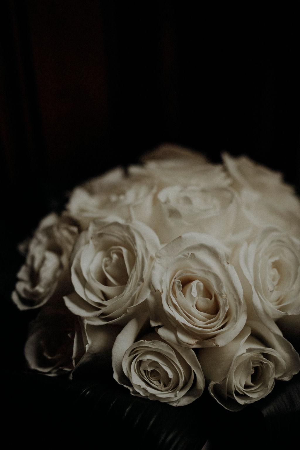 wedding flowers white roses inspiration