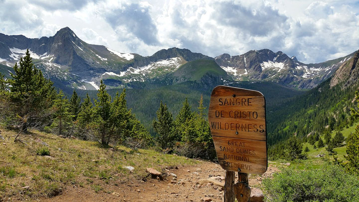 Music Pass - Possibly the most scenic wilderness entrance sign I've ever seen.