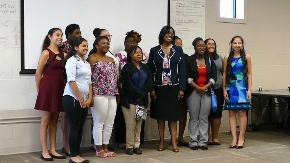Kentucky Lieutenant Governor Jenean Hampton with the Empowered students. | Photo by Tony Pacheco