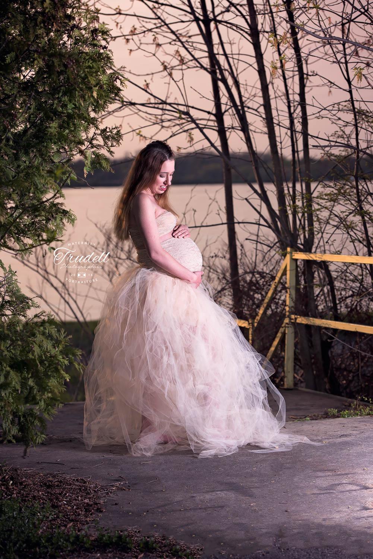 Kristi Maternity Watermarked Blog-7.jpg
