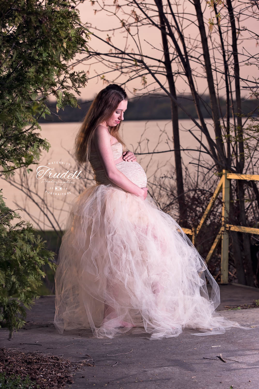 Kristi Maternity Watermarked Blog-8.jpg