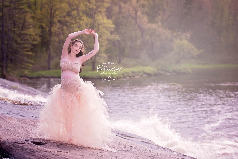 Alysha Maternity Watermarked Blog-12.jpg
