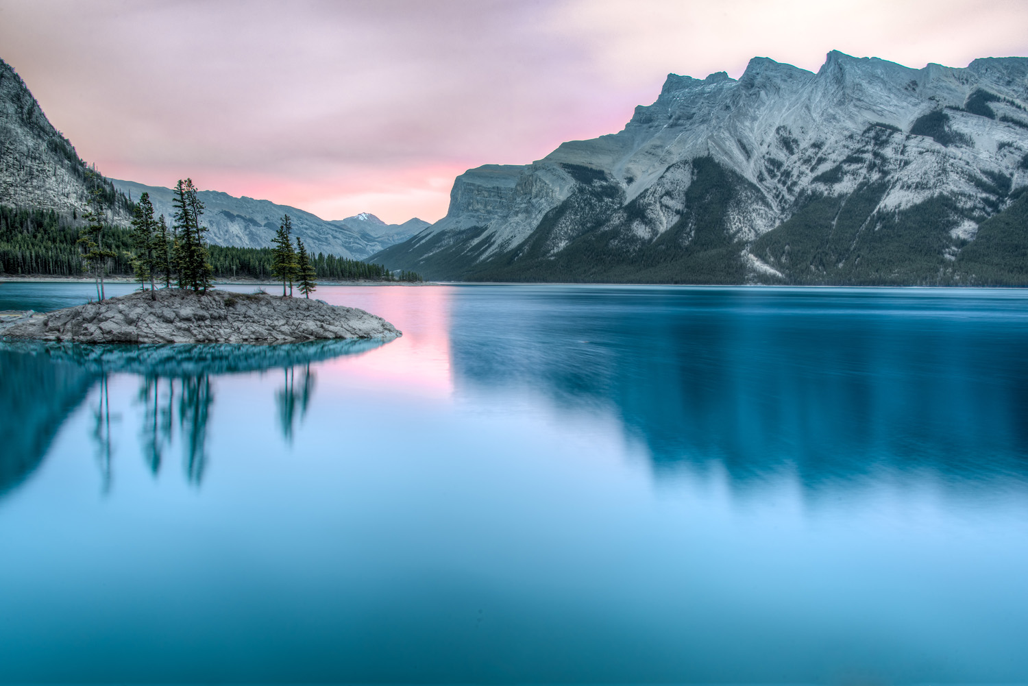 Lake Minnewanka Long Exposure