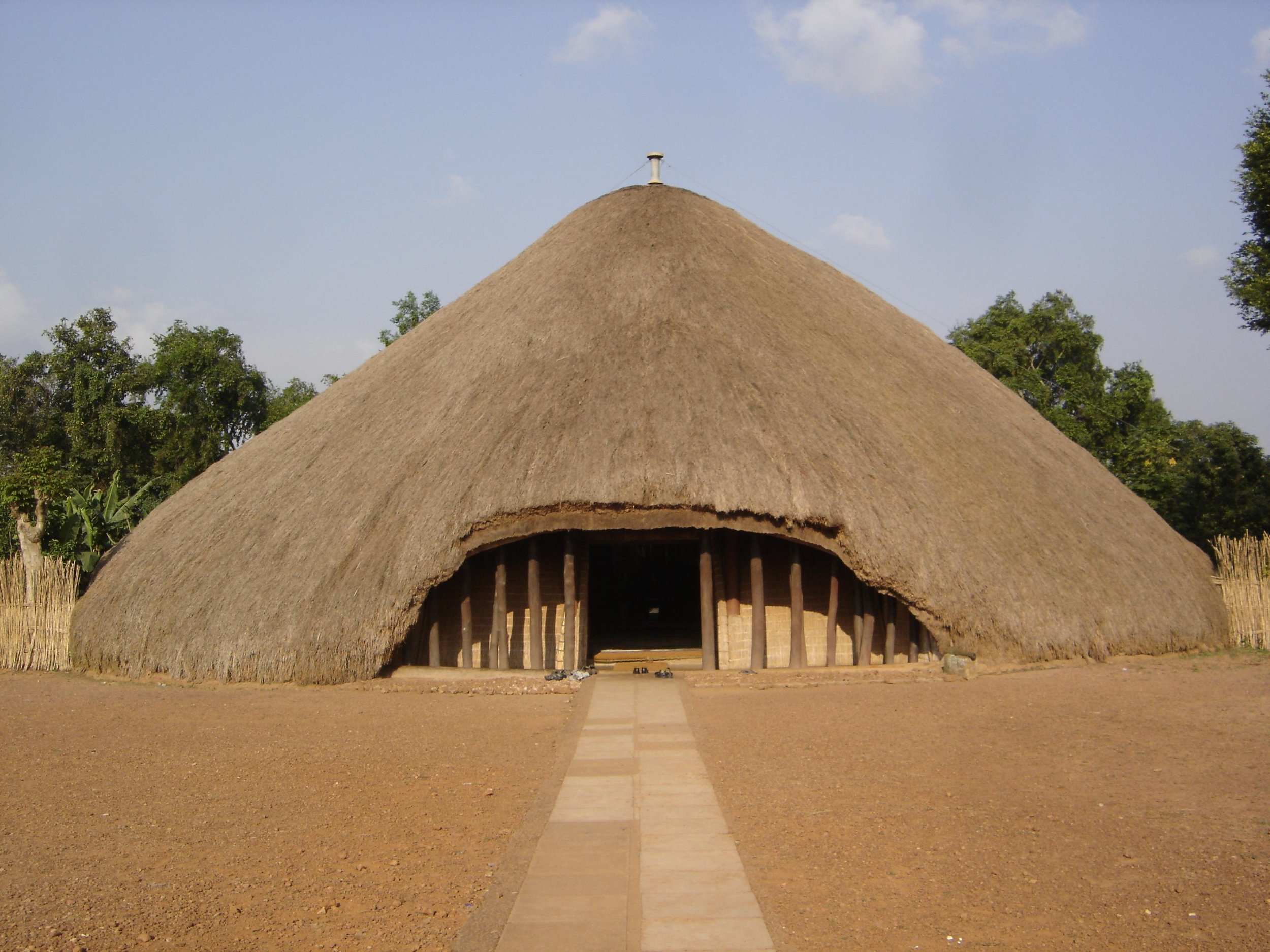 Kampala_Kasubi_Tombs.jpg