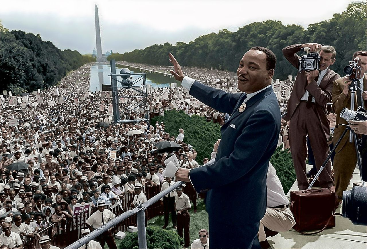 Martin_Luther_King,_Jr_I_Have_a_Dream_Speech_Lincoln_Memorial.jpg