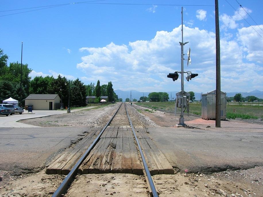 niwot_train_track.jpg