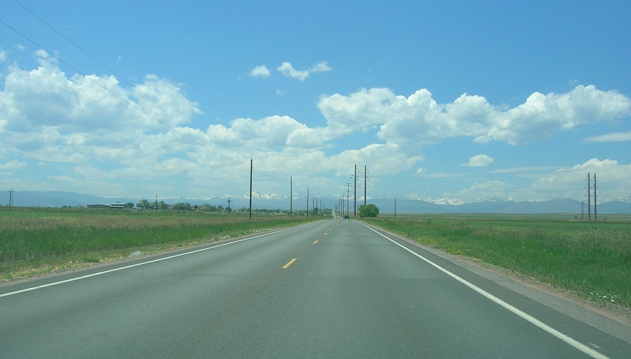 The drive between Niwot and Paint Brush Trail.