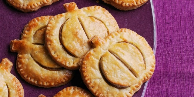 No-Silverware Dessert  (Photo of  Pumpkin Hand Pies  from Woman'sDay)