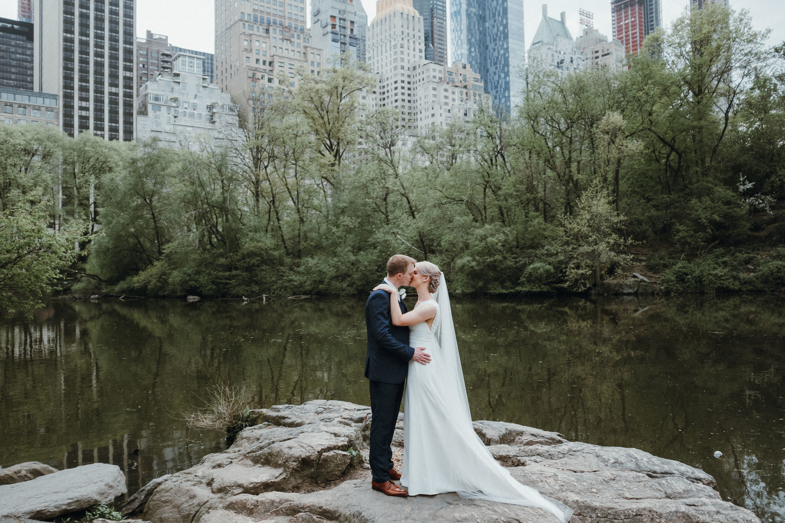 bride and groom in Central Park