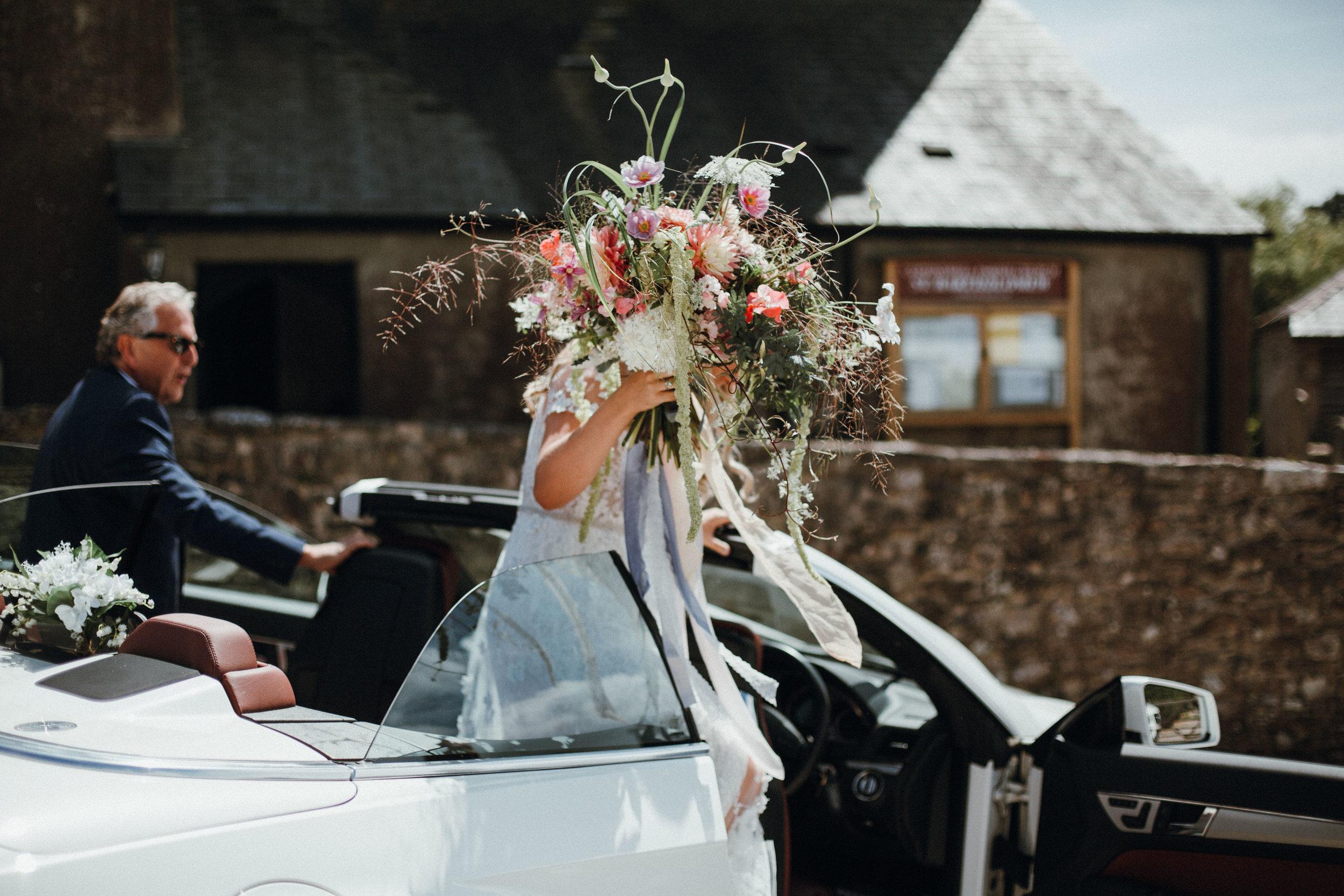 Large wild bridal bouquet