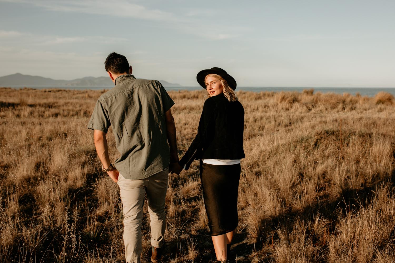 NessChrisWatson-NewZealandPhotographer-GoldenHour-Couple-Adventure-5789.jpg