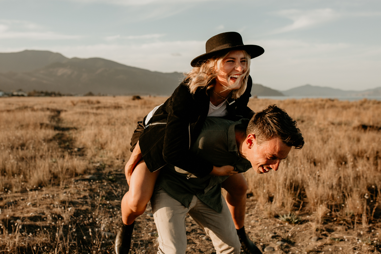 NessChrisWatson-NewZealandPhotographer-GoldenHour-Couple-Adventure-5947.jpg