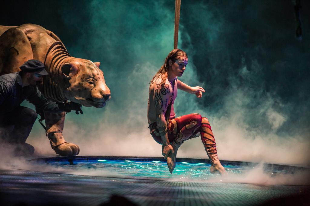 Benjamin Countenay - Cirque du Soleil LUZIA