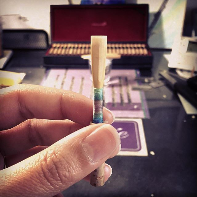 """Last summer I made this reed and thought, """"Oooo this reed feels really nice. I'm going to save it so I know I have a reed in my case that works."""" So I did. I would test it occasionally and I kept saving it as a comfort reed in my case...and now it feels terrible and no amount of scraping has given it life again. 🤦🏻♀️ Let me be a cautionary tale to you all - play your good reeds while you have them. You've made good reeds before, and you can do it again!🎶 #oboeproblems #lessonlearned #trustyourself #comfortreed #hardtosaygoodbye"""