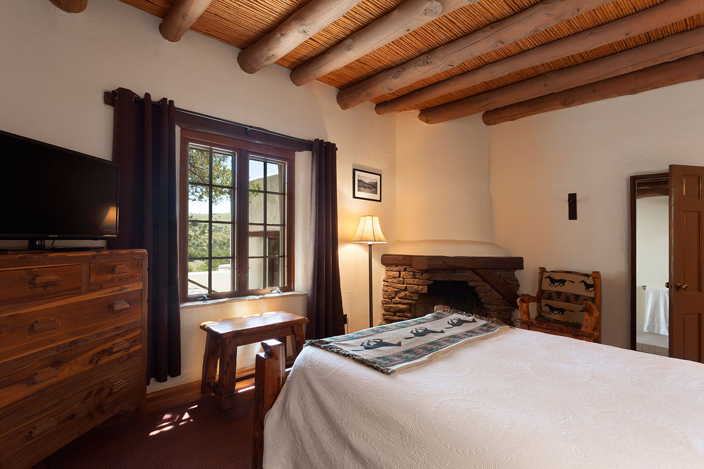 Indian-Lodge_ABP_Historic-Room.jpg