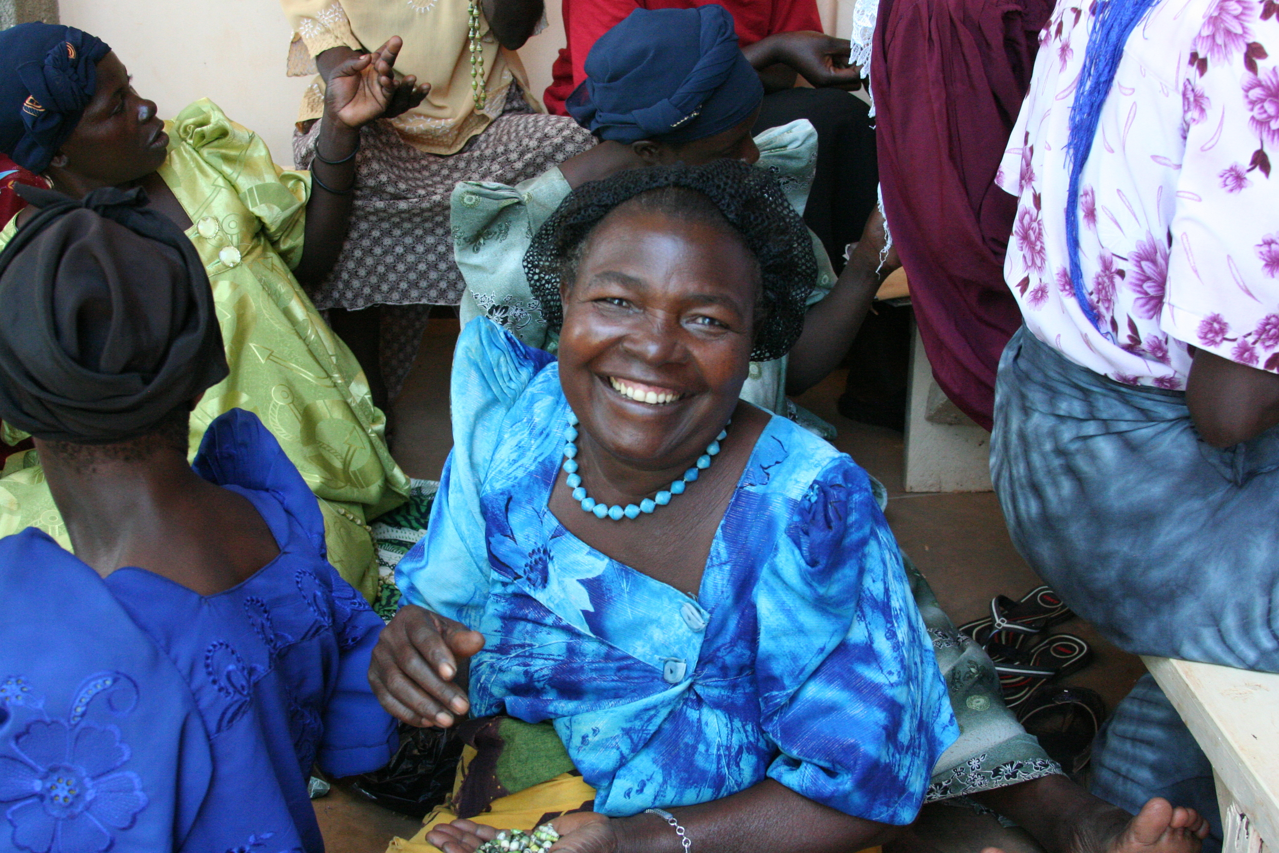 Widows' Jewelry Project; Creating hope from recycled paper