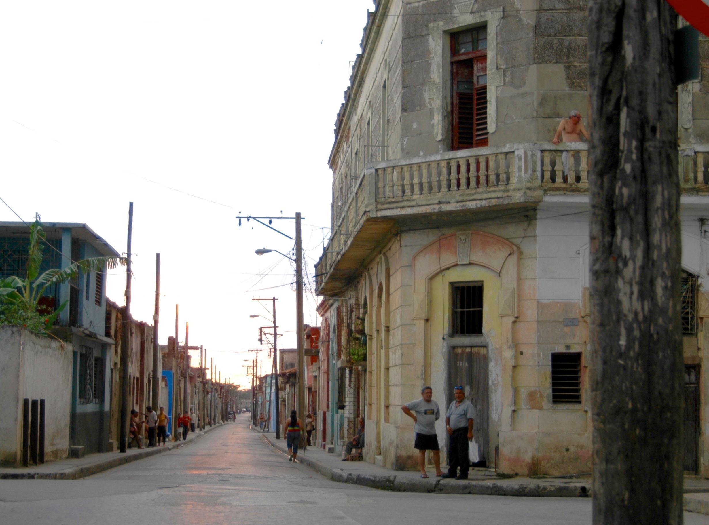 Corner street view, Camagüey