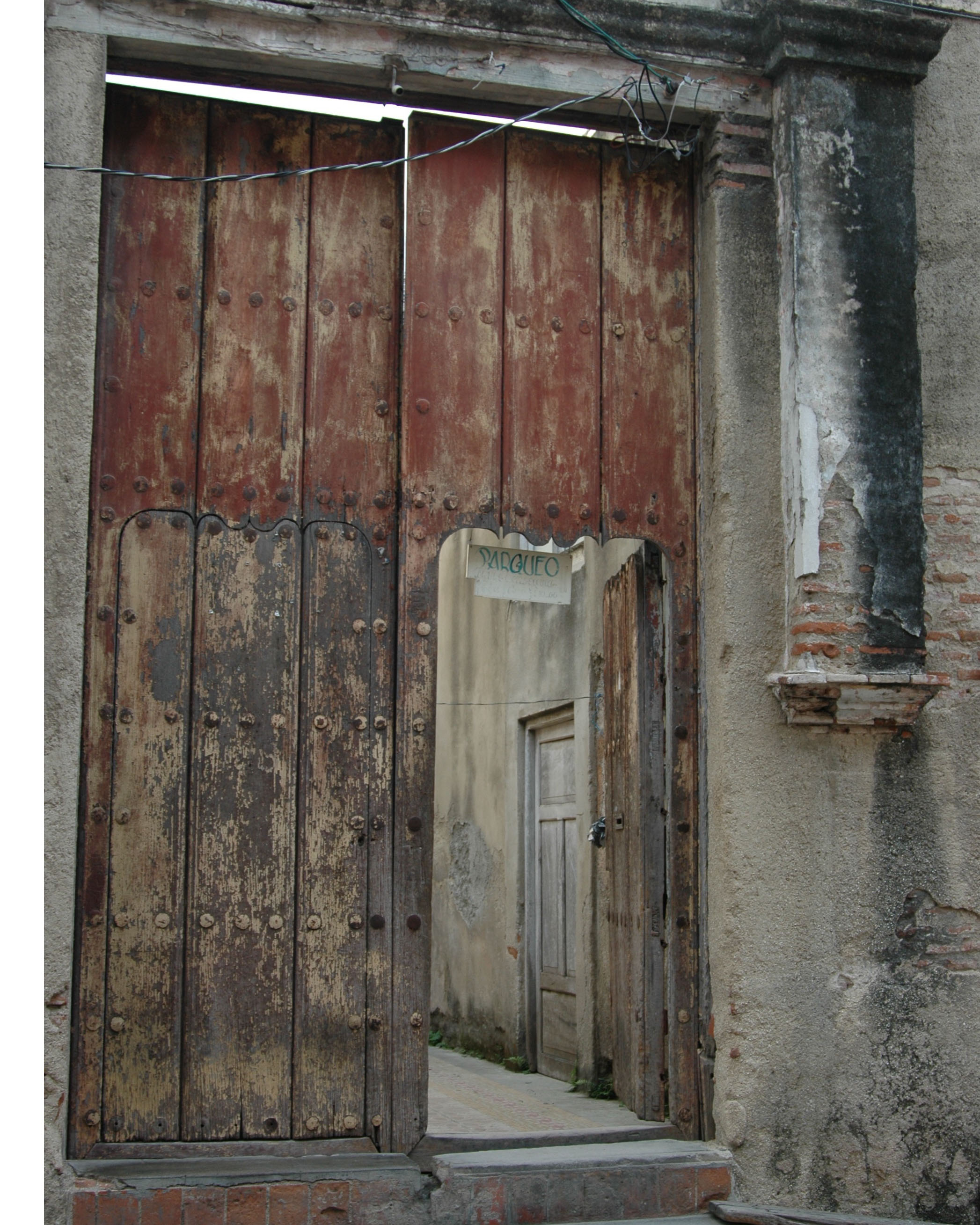 Oversized doors found all over the city of Camagüey