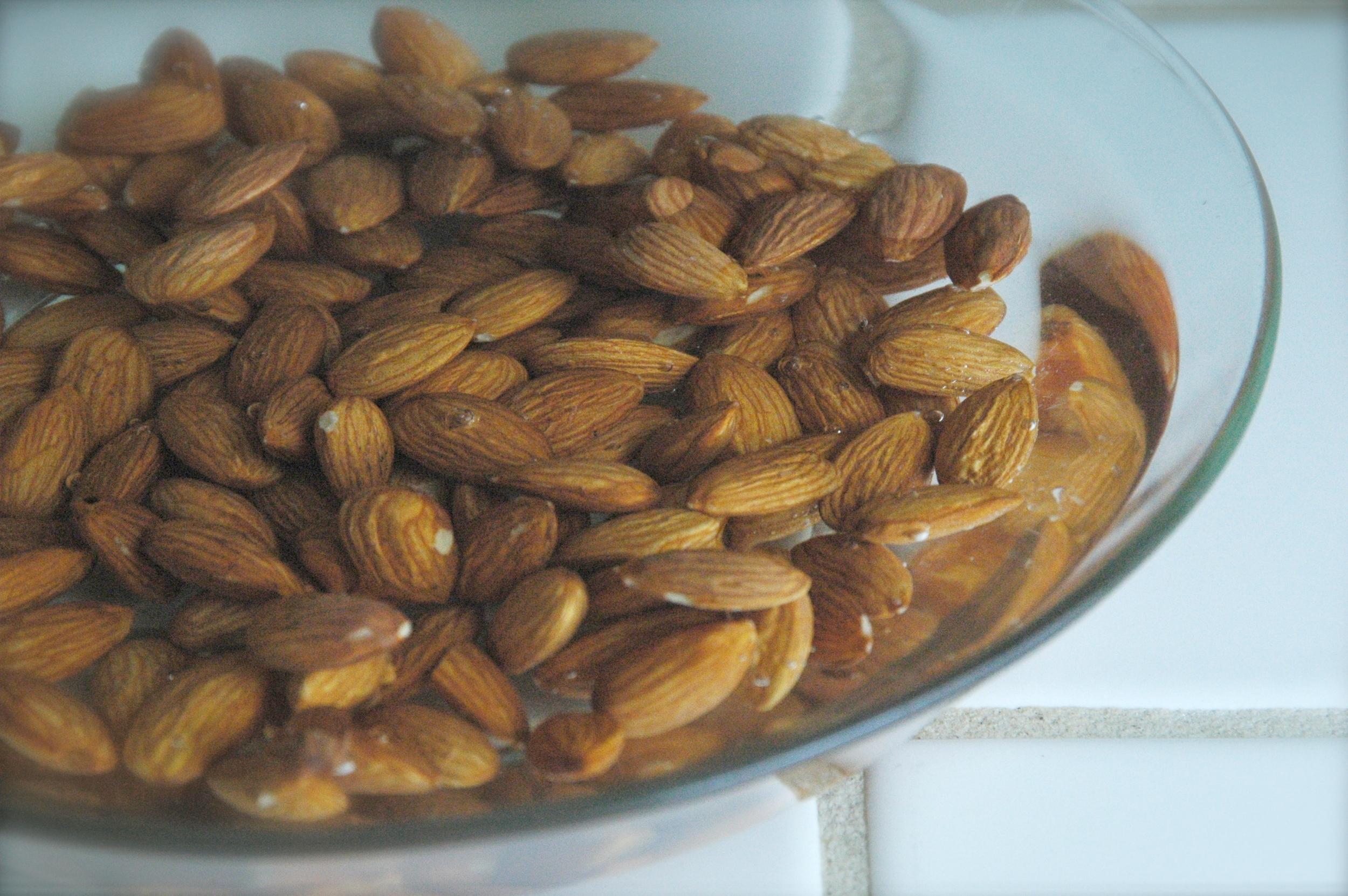 soaking almonds