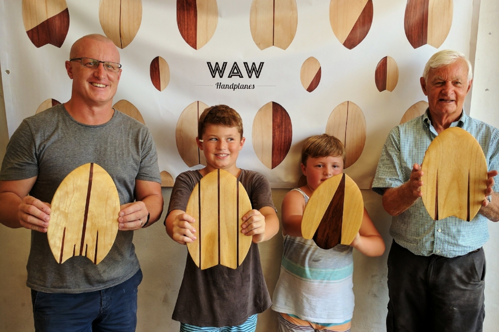 how to make a body surfing handplane