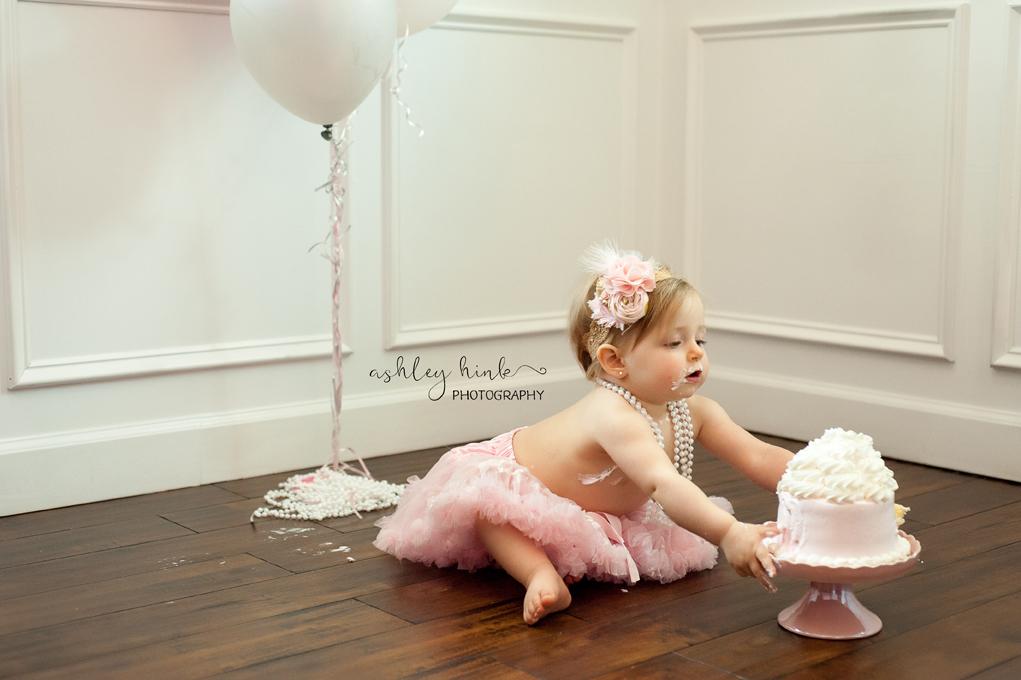 Carrie Smash Cake-53E.jpg