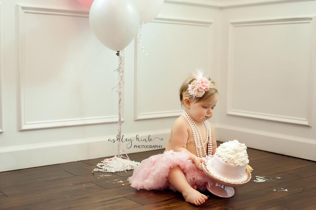 Carrie Smash Cake-55E.jpg