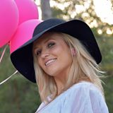 Rechelle Mackay -  Intuitive Soul Coach at Free Spirit Woman + Mother of three. Newcastle, NSW.