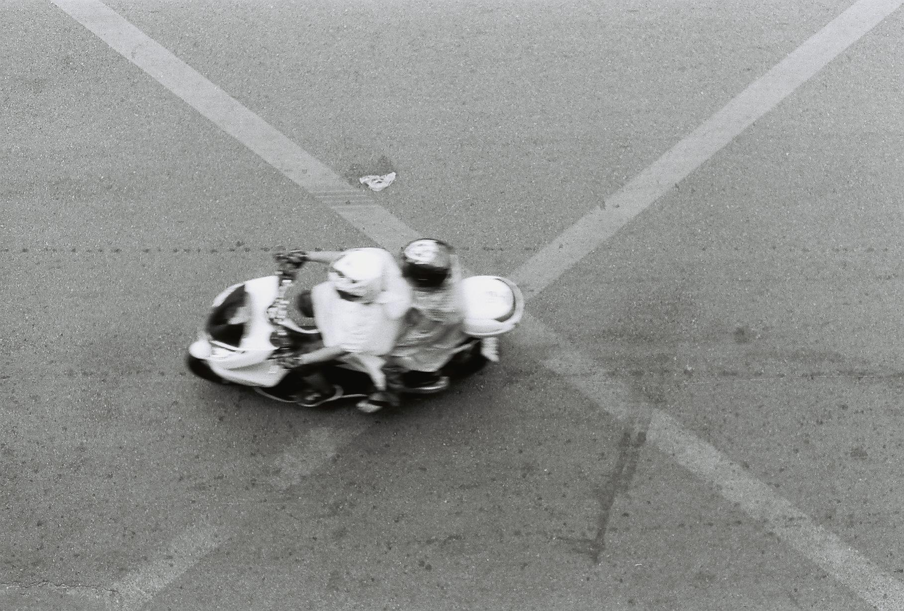 1993018-R2-E060.jpg