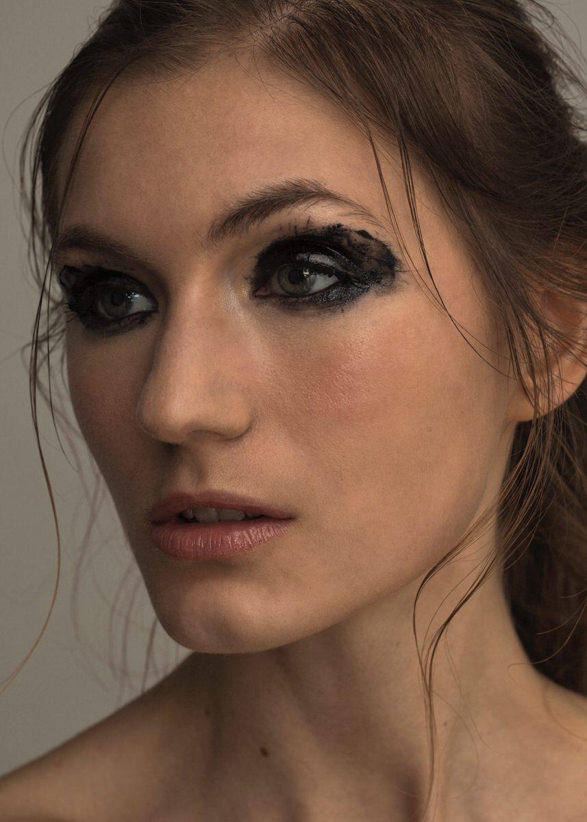 Texture-eyeliner-London Giorgos-Aslanidis-10.jpg