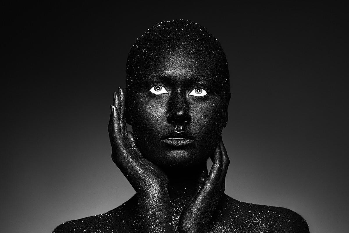 Nora-Orthofer-Black-Project-07.jpg