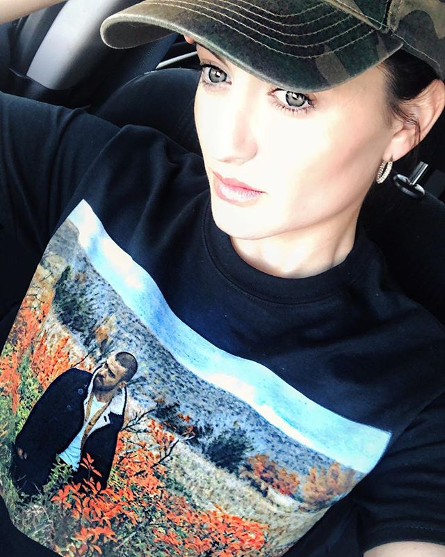 🌳🌲Woman of the woods 🌲🌳 Rocking my @justintimberlake #manofthewoodstour shirt..💚💚 **Just as a disclaimer, I was nowhere near the woods, I was in a double parked car in Brooklyn 🤪