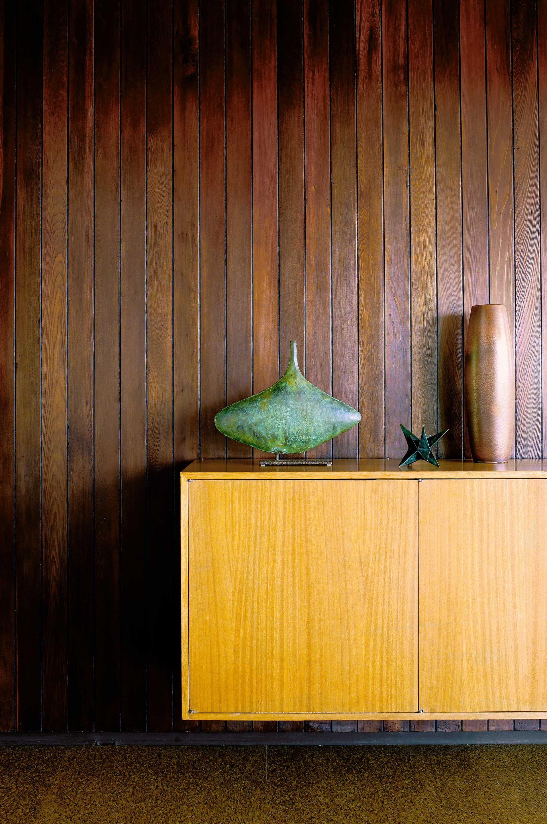 timber-panelling-malibu-home-summer-powers-jan12-20150706114537~q75,dx1920y-u1r1g0,c--.jpg
