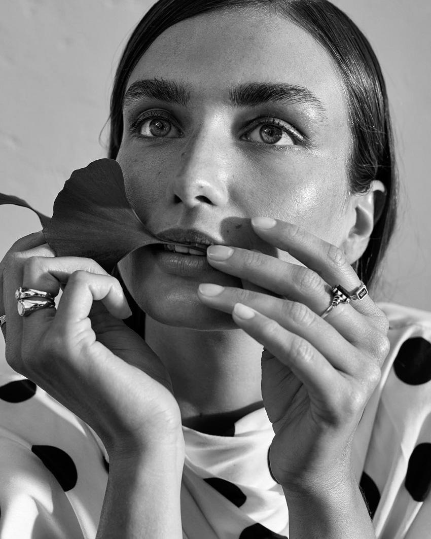 UNCONDITIONAL-Magazine-Issue-6-Andreea-Diaconu-Alexandra-Nataf-1-2.jpg