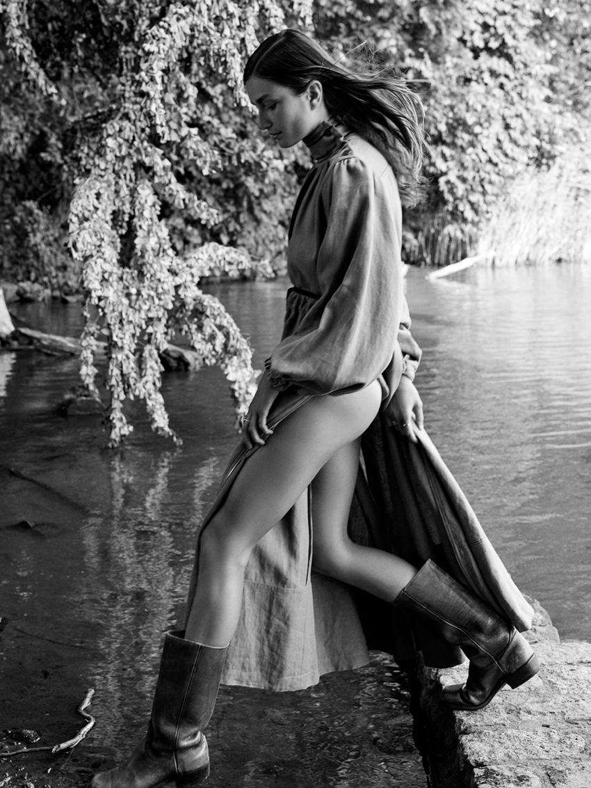 UNCONDITIONAL-Magazine-Issue-6-Andreea-Diaconu-Alexandra-Nataf-13.jpg