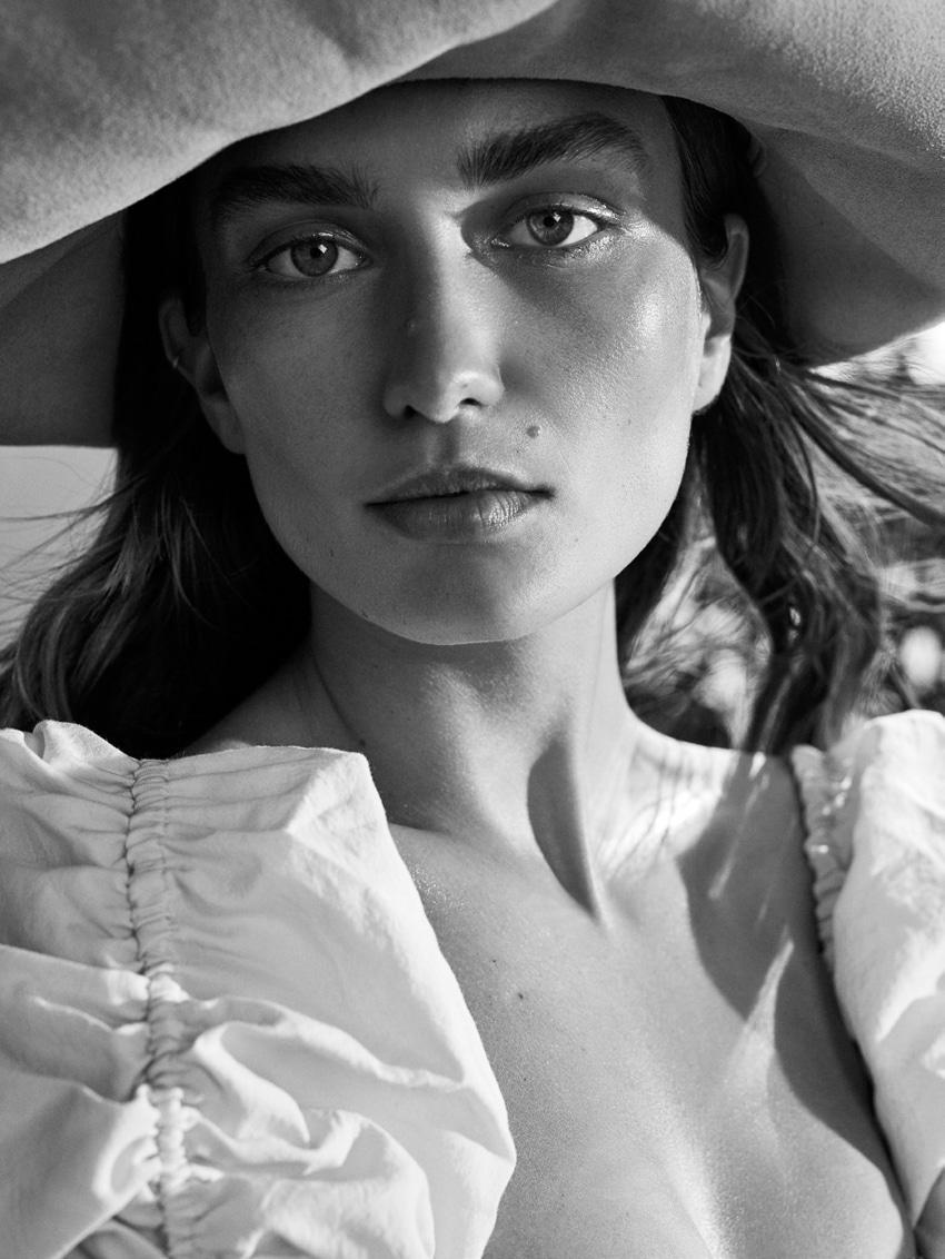 UNCONDITIONAL-Magazine-Issue-6-Andreea-Diaconu-Alexandra-Nataf-4.jpg