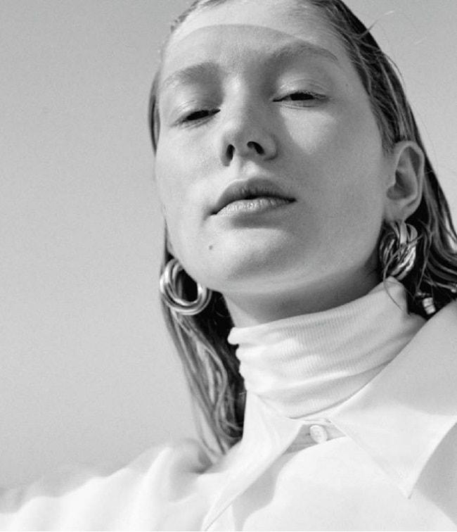 Sandra-Martens-by-Umit-Savaci-for-IO-Donna-Magazine-May-2018-17.jpg
