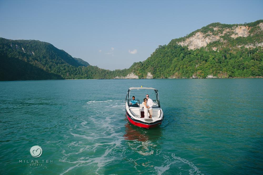 wedding couple in langkawi yacht