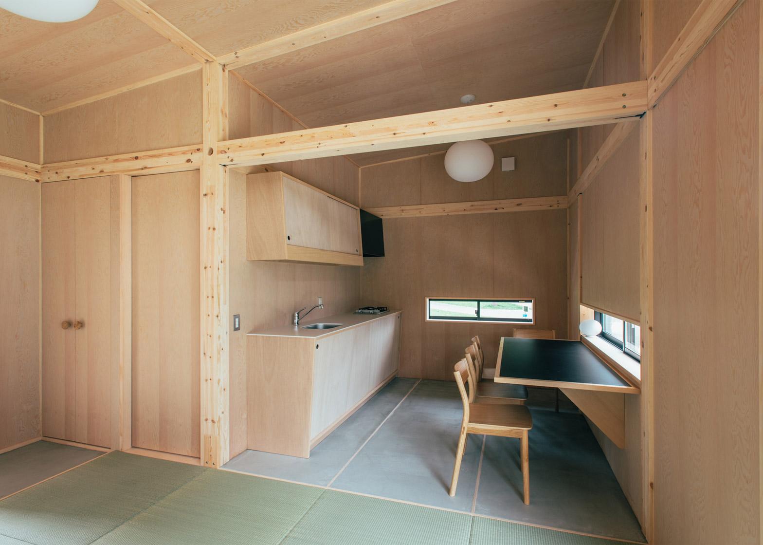 Muji-huts_Jasper-Morrison_dezeen_1568_2.jpg