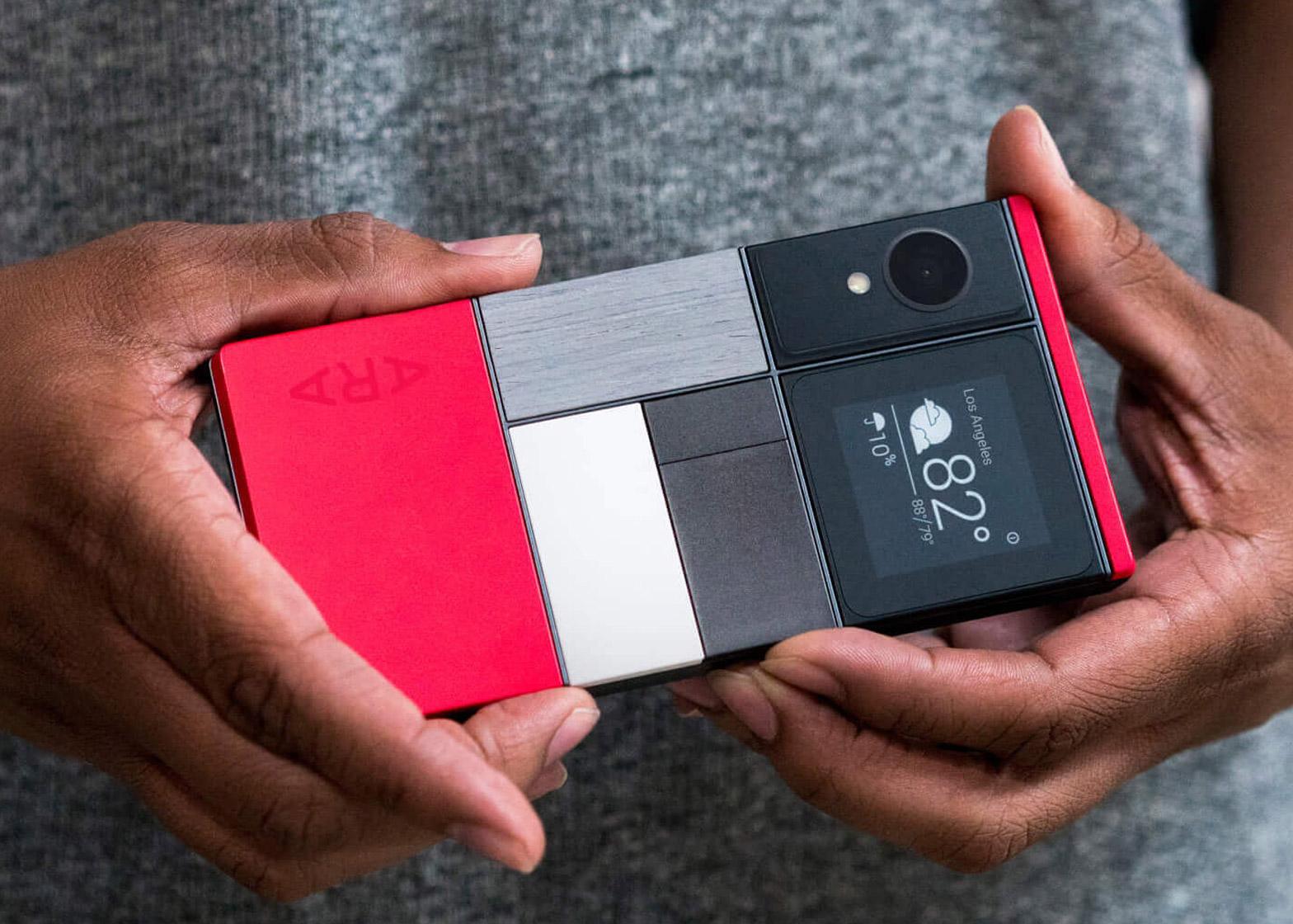 phone-project-ara-modular-smart-phone-google-alphabet-design-technology-news_dezeen_1568_0.jpg